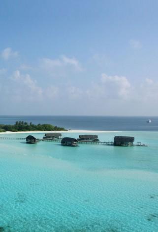 worldTop_684x1000_COMOCocoa-Island-Maldives