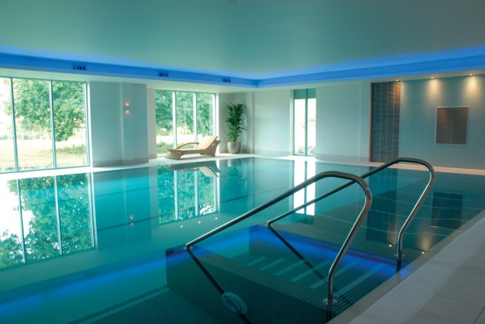 Cotswold-Water-Park-Four-Pillars-Hotel_Pool